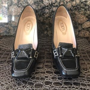 Tod's patent leather black pumps